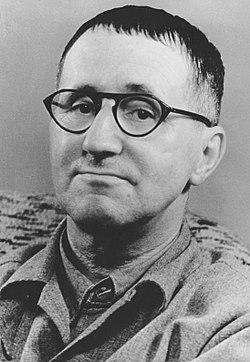 ברטולט ברכט, מתוך גלות המשוררים, תרגום, ה. בנימין, הקיבוץ המאוחד, 1978.